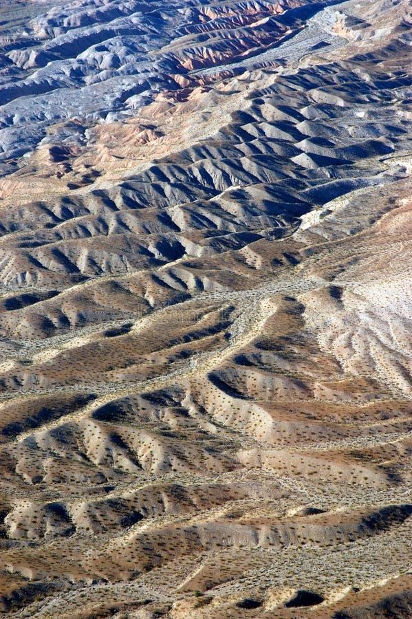 пол пустыни струился стоковые фото