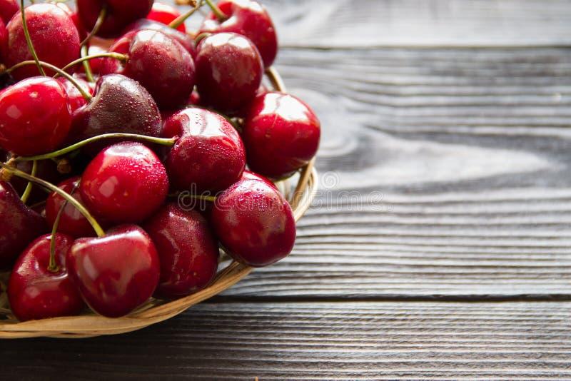 помадка поля глубины вишни свежая отмелая стоковое изображение rf