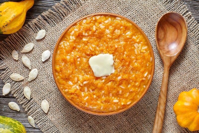 Помадка традиционного корейского завтрака пудинга каши риса тыквы домодельная испекла десерт стоковая фотография rf