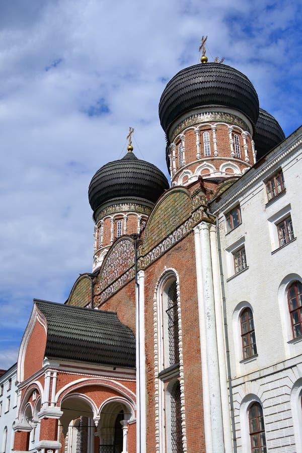 Поместье Izmailovo в Москве квадрат moscow красный России intercession собора стоковая фотография