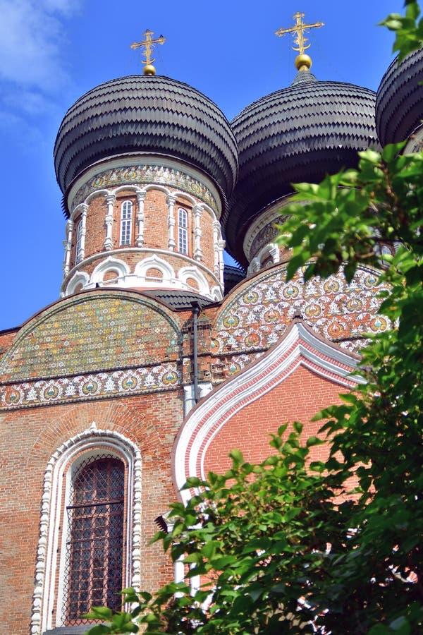 Поместье Izmailovo в Москве квадрат moscow красный России intercession собора стоковое фото rf