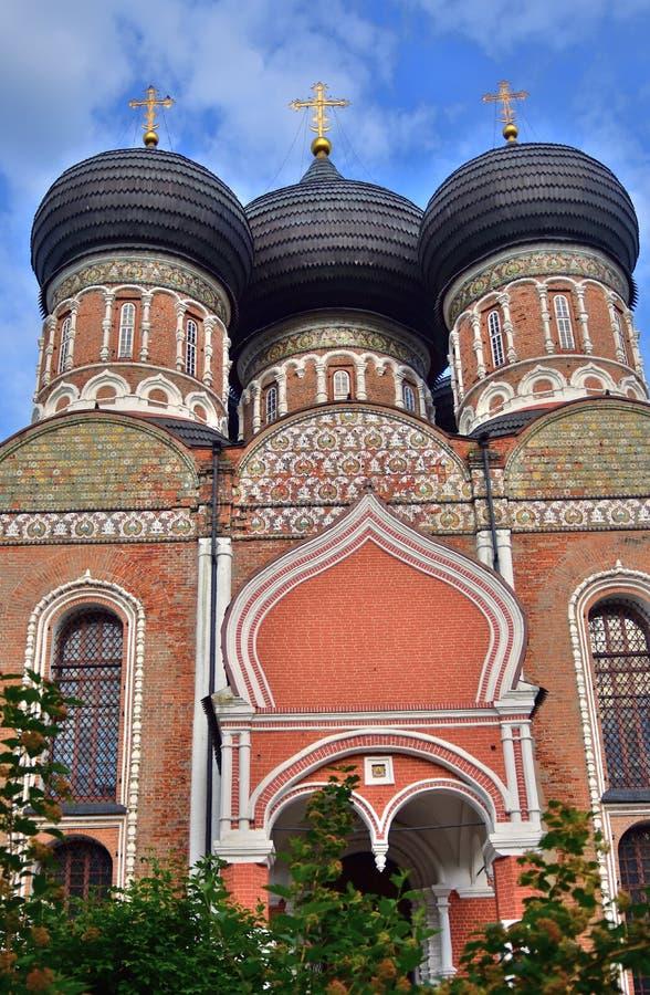 Поместье Izmailovo в Москве квадрат moscow красный России intercession собора стоковые изображения rf