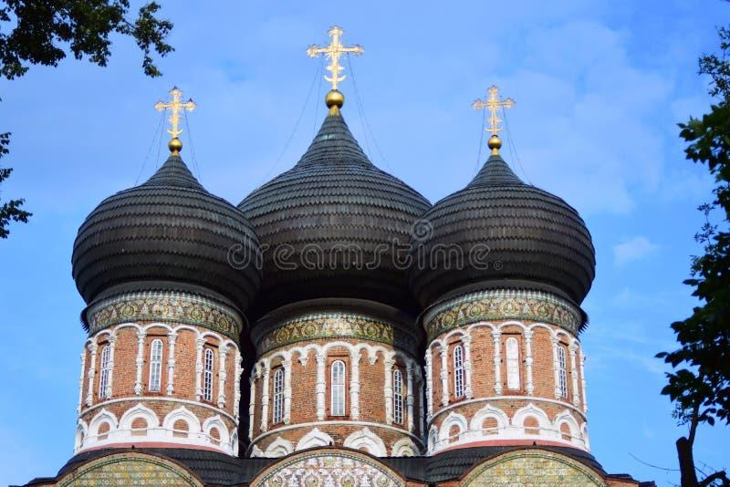 Поместье Izmailovo в Москве квадрат moscow красный России intercession собора стоковые фотографии rf