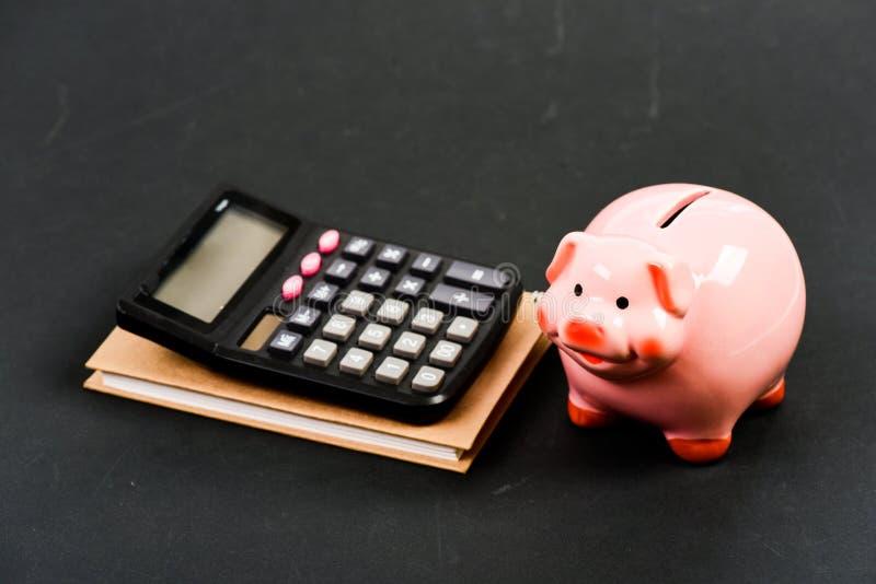 Помогите мне планирование считая бюджет Дело Commerece r Бухгалтерия и зарплата bookishly финансовый стоковые изображения rf