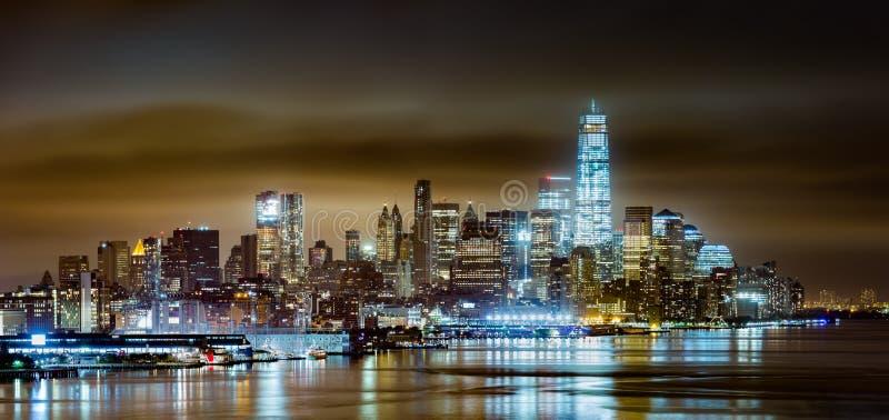 Понизьте Манхаттан к ноча стоковое изображение