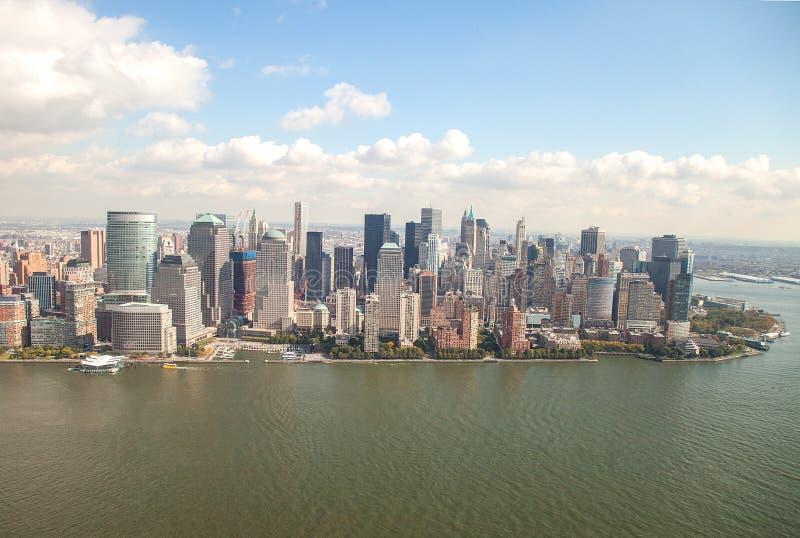 Download Понизьте Манхаттан стоковое фото. изображение насчитывающей летание - 33729350