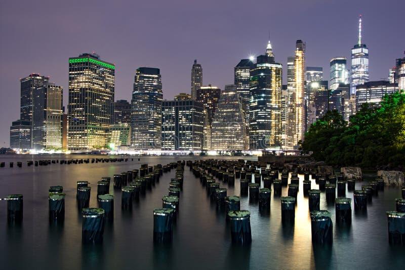 Понизьте Манхэттен вечером стоковое фото rf