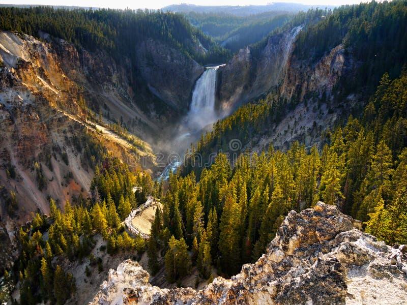 Понизьте падения, гранд-каньон, национальный парк Йеллоустона стоковая фотография