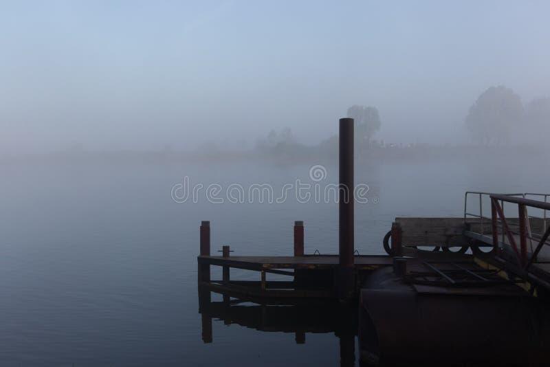 Понтон в реке Lek стоковые фотографии rf