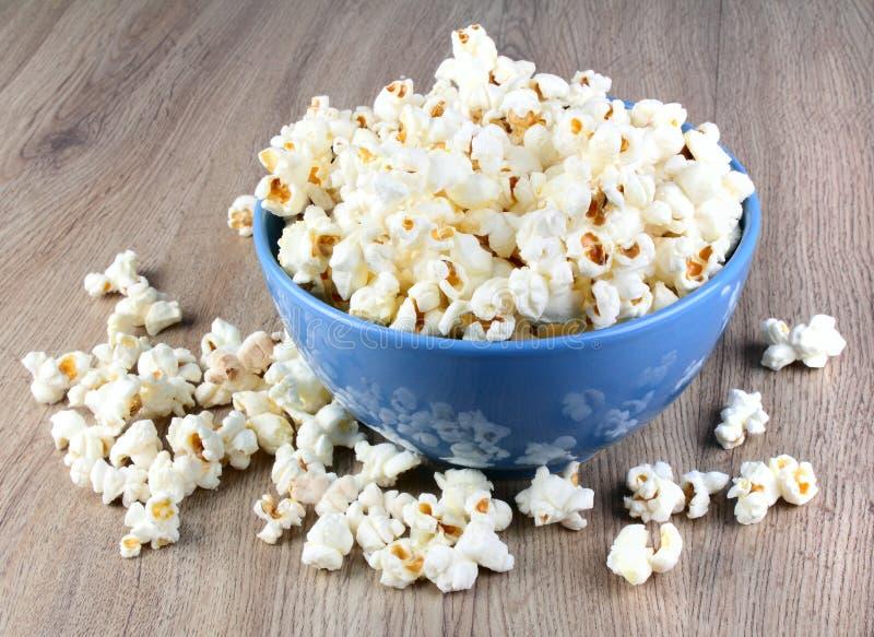 попкорн вкусный стоковые изображения rf
