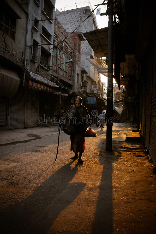 Попрошайка улицы стоковая фотография