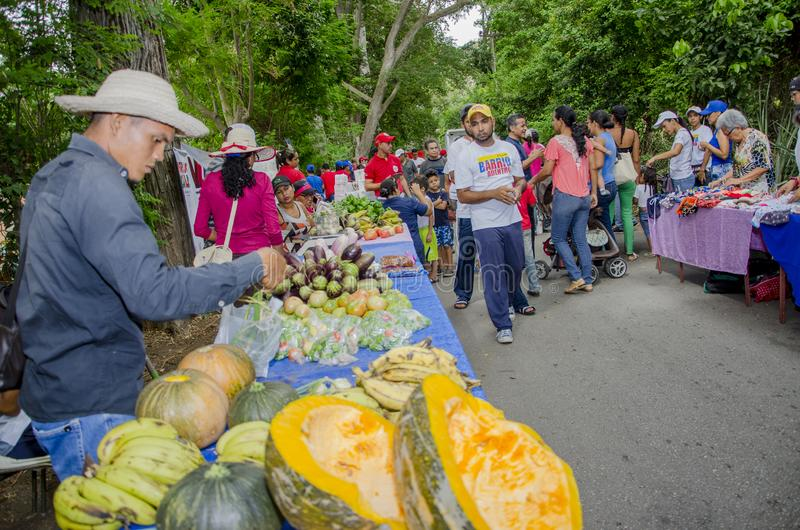 Популярный рынок в улицах Isla Маргариты стоковое изображение rf