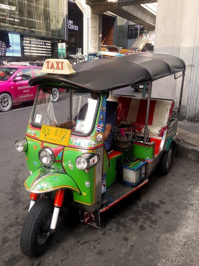 Популярное такси в Таиланде (TUKTUK) стоковое фото