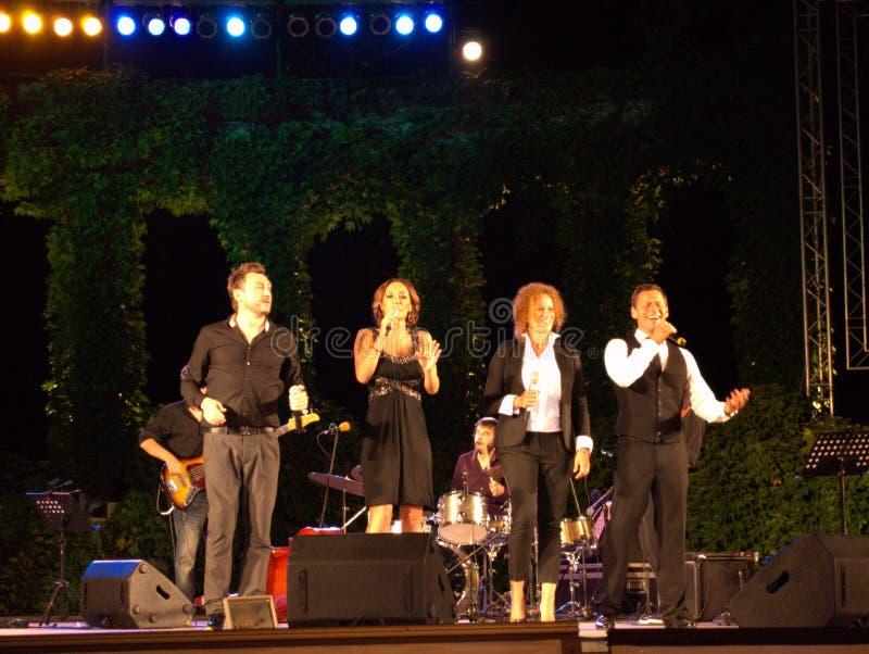 Популярные болгарские певицы живут концерт стоковое фото
