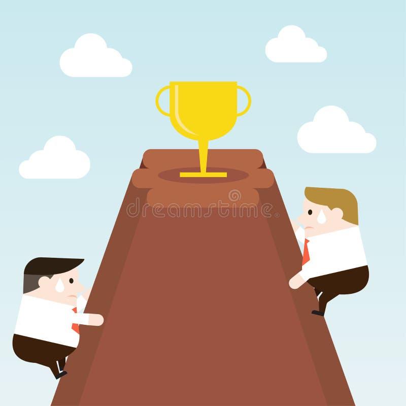Попытка бизнесмена, который нужно взобраться к трофею на верхней части горы стоковое фото rf