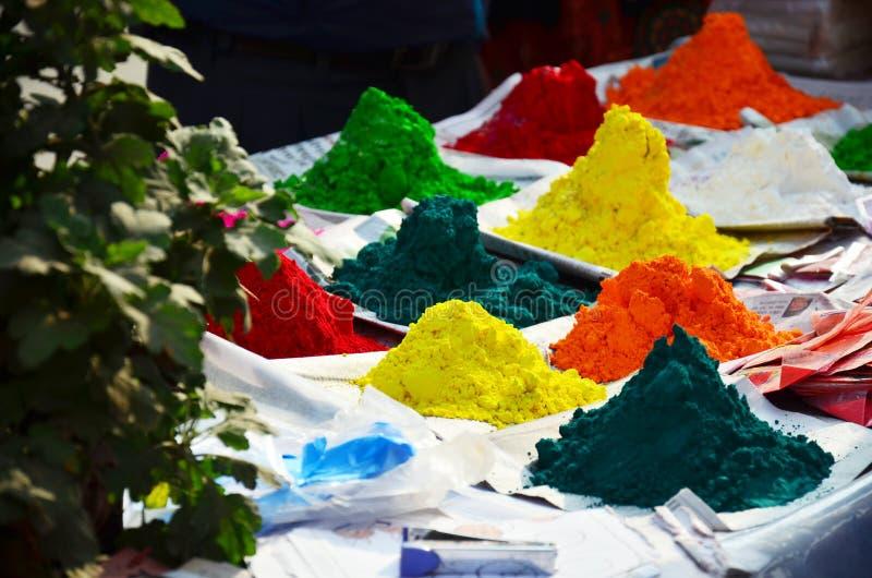 Порошок цвета Tika для фестиваля Tihar Deepawali и фестиваля Holi стоковое изображение