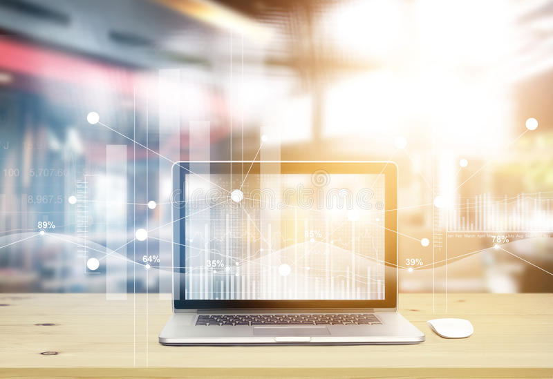 Портативный компьютер с фондовыми биржами графических значков всемирными взаимодействует на экране в офисе бесплатная иллюстрация