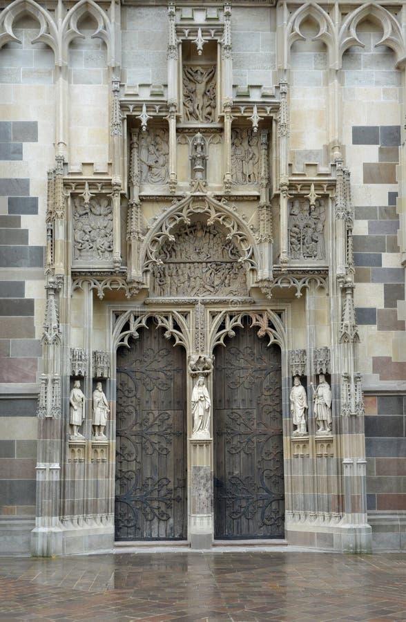 Портал собора Elisabeth Святого стоковые изображения rf