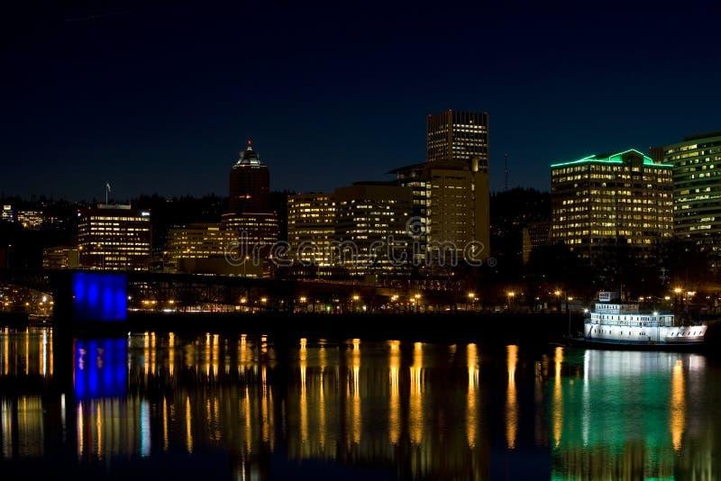 портовый район времени Орегона portland ночи стоковая фотография rf