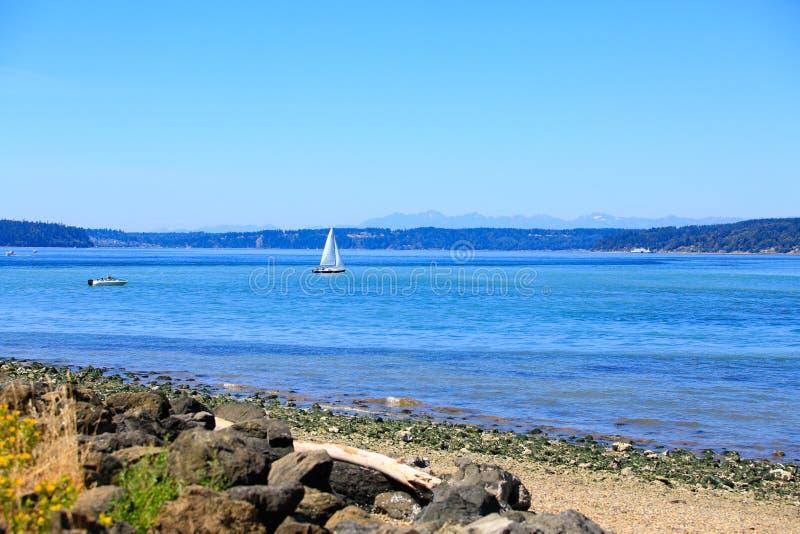 Портовый район Tacoma с панорамным взглядом стоковое изображение
