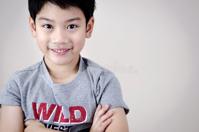 Портрет азиатского милого мальчика стоковое изображение