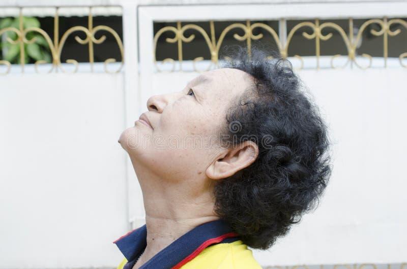 Портрет азиатского старшия стоковые изображения rf