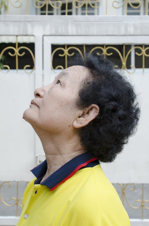 Портрет азиатского старшия стоковые фото