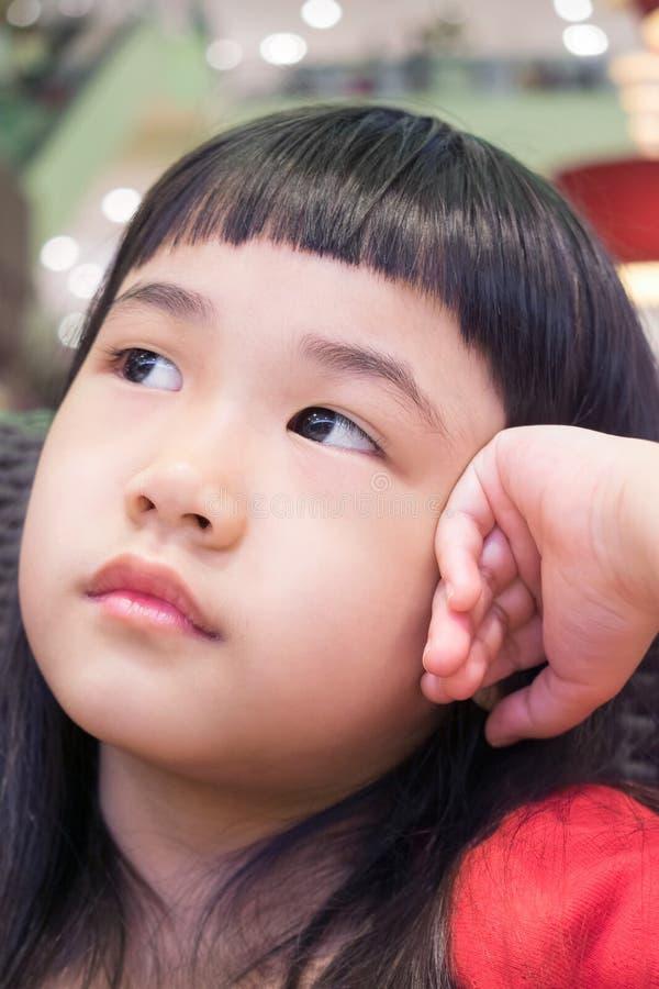 Портрет азиатской маленькой девочки стоковое изображение
