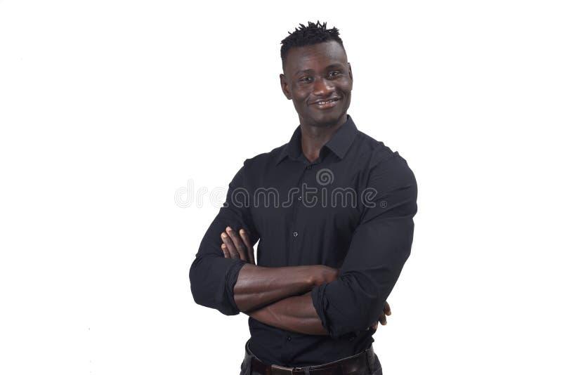 Портрет африканских оружий человека пересек на белизну стоковое изображение rf
