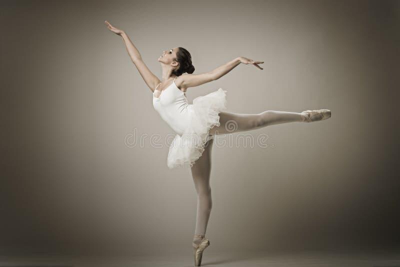 Портрет балерины в представлении балета стоковая фотография rf