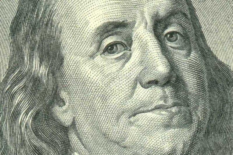 Портрет Бенджамина Франклина на 100 долларовых банкнотах стоковая фотография rf