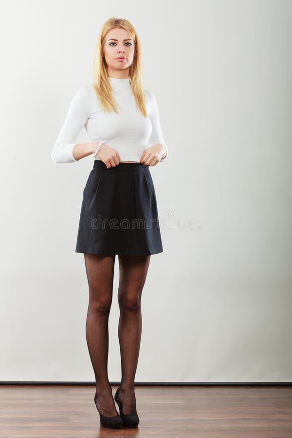 Портрет белокурой дамы стоковые фото