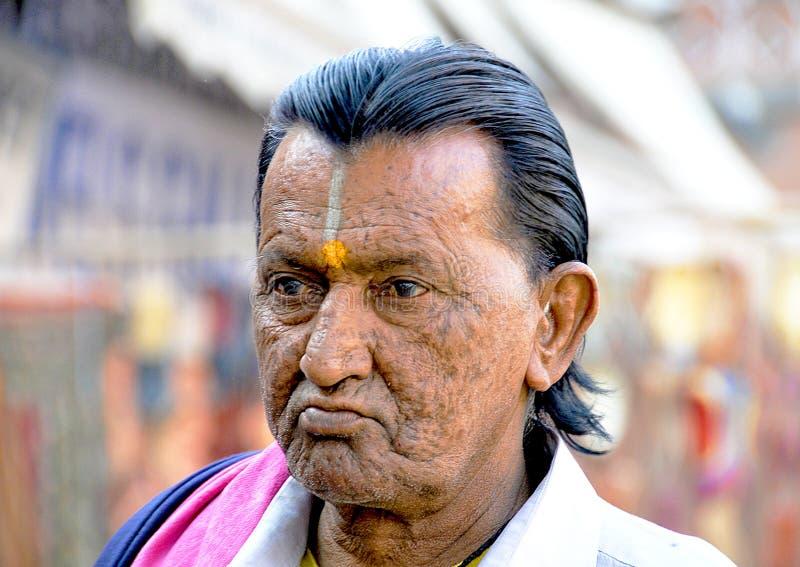 Портрет более старого индийского человека стоковая фотография