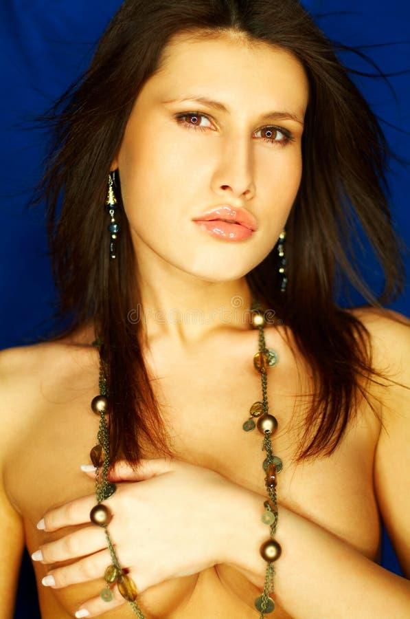 Download портрет брюнет сексуальный стоковое фото. изображение насчитывающей глаза - 650148