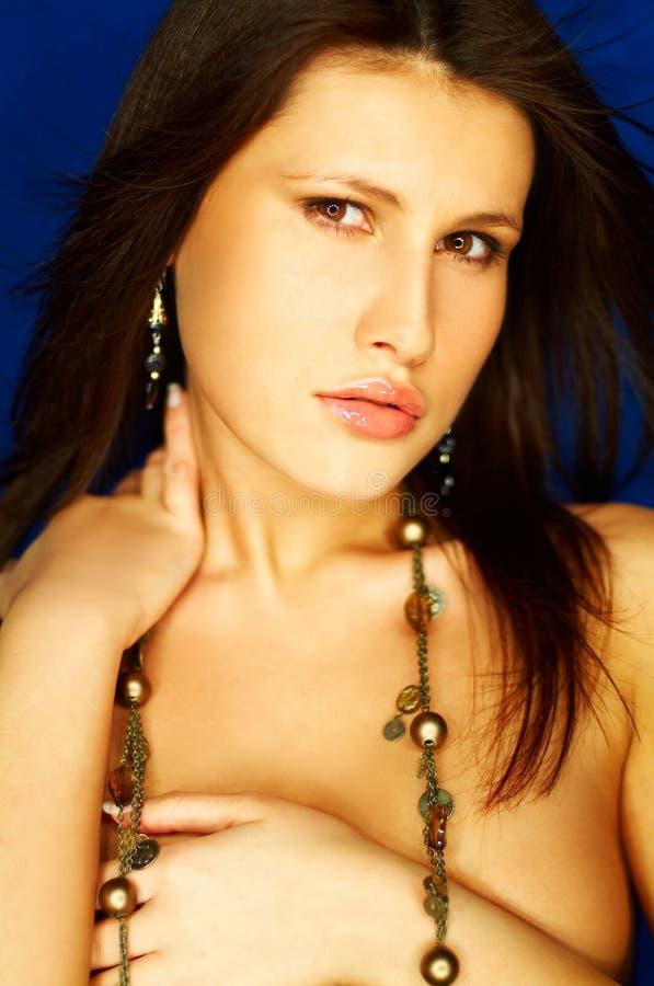 Download портрет брюнет сексуальный стоковое изображение. изображение насчитывающей babushka - 650149