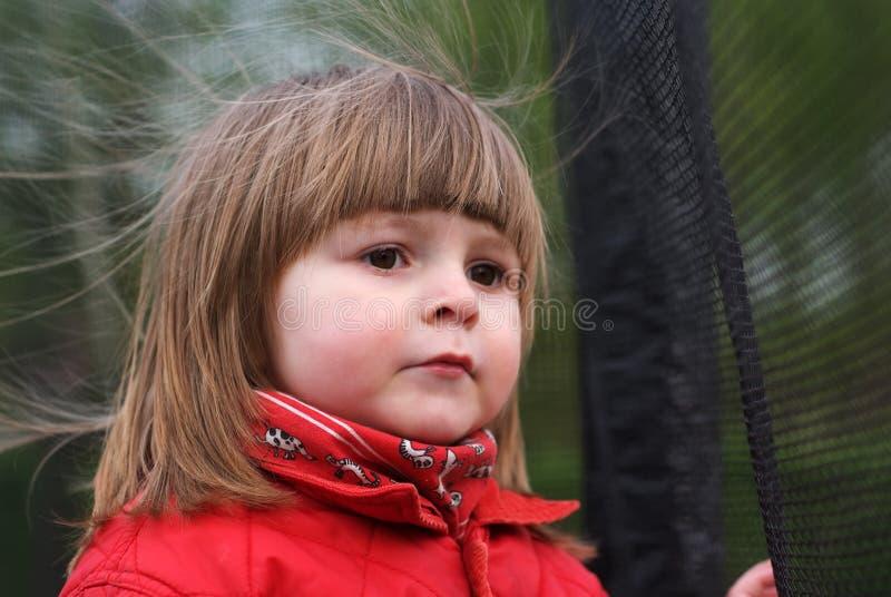Портрет двухклассной девушки стоковое фото