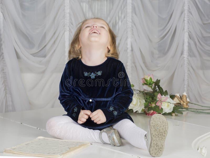 Портрет годовалого ребенка 2 стоковое фото