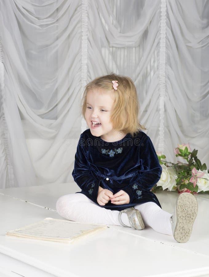 Портрет годовалого ребенка 2 стоковая фотография
