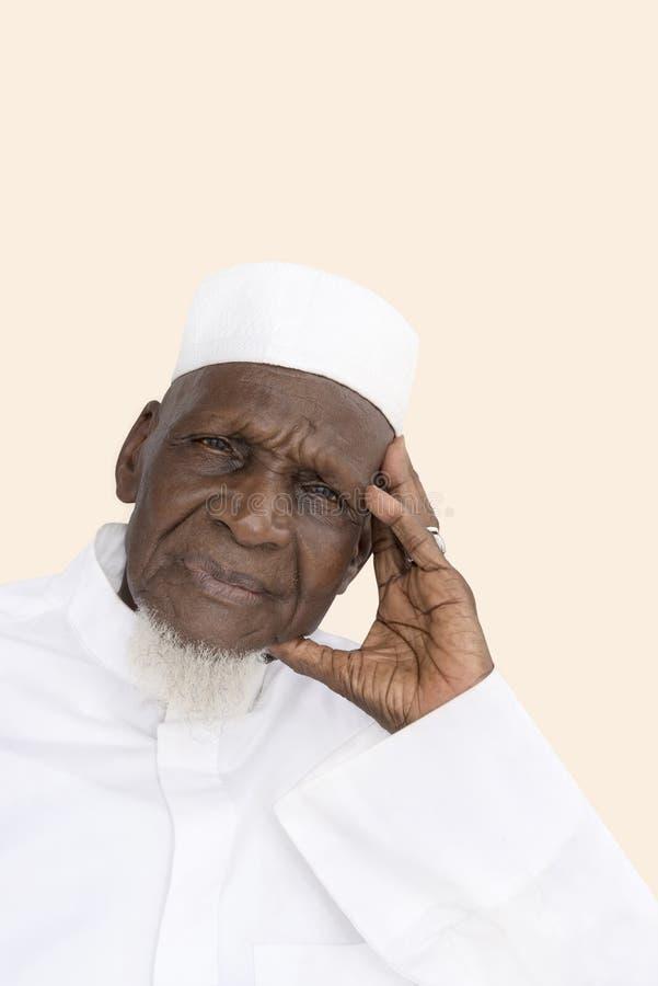 Портрет 80-год-старого африканского человека стоковые фото
