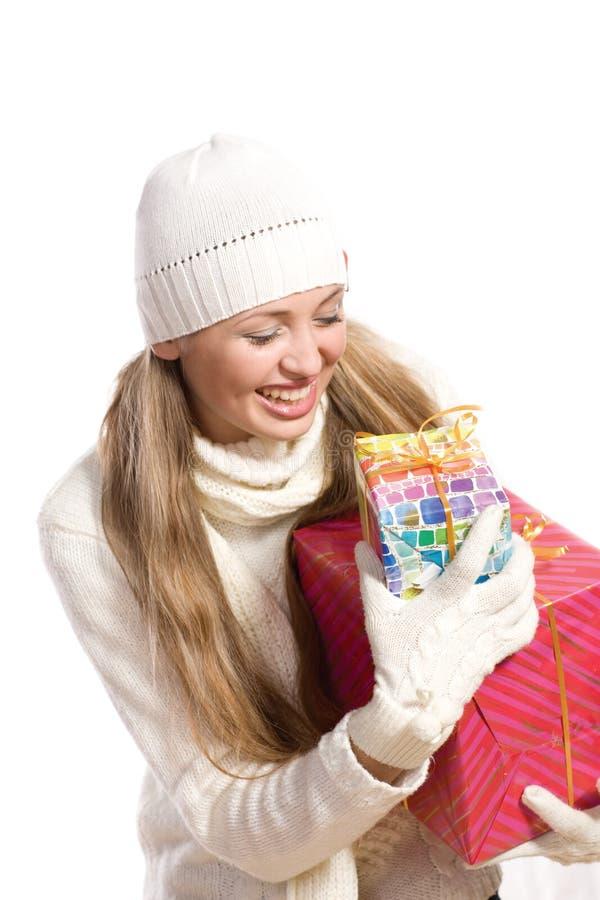 портрет девушки подарка счастливый стоковое фото
