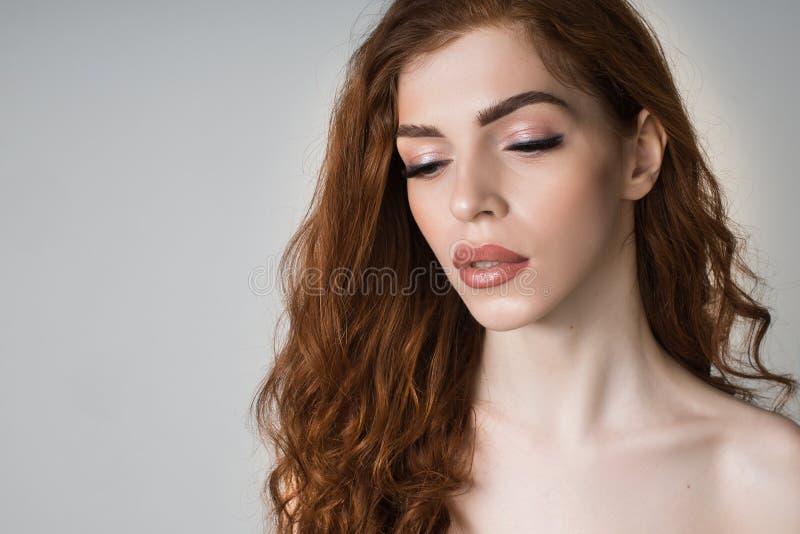 Портрет девушки с длинными ресницами стоковые фотографии rf