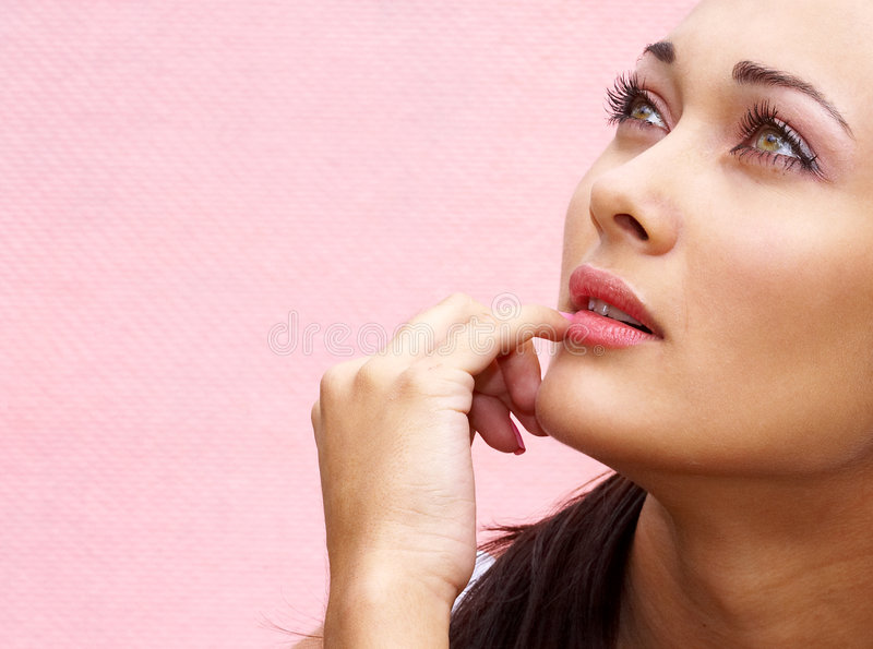 Download портрет девушки стоковое изображение. изображение насчитывающей посмотрите - 1183101