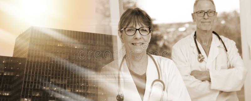 Портрет 2 докторов; множественная выдержка стоковое фото rf