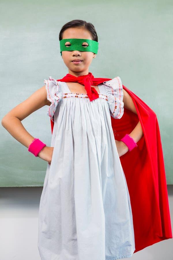 Портрет девушки одетый как супергерой стоковая фотография rf