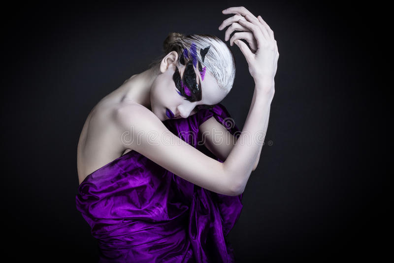 Портрет девушки с творческим составом стоковые фото
