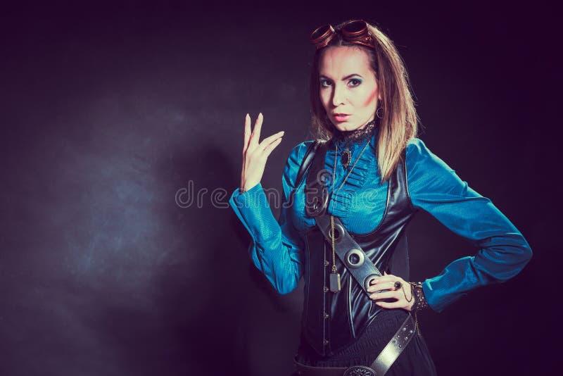 Портрет девушки Steampunk ретро стоковое изображение