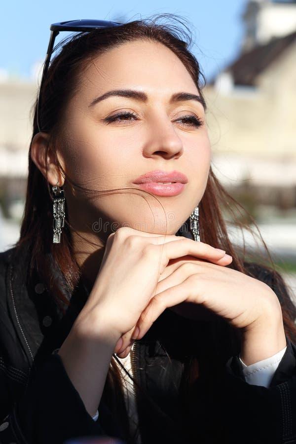 Портрет женщины брюнет стоковое фото rf