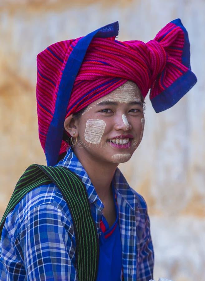 Портрет женщины племени Intha в Мьянме стоковые изображения rf