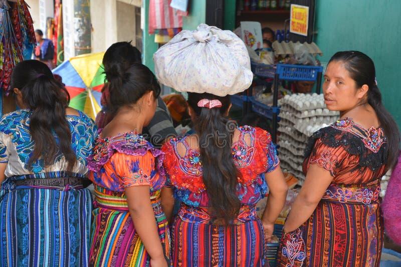 Портрет женщин покрашенных платья майяских стоковые фотографии rf
