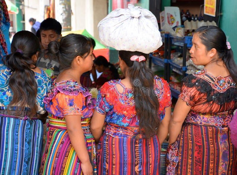 Портрет женщин покрашенных платья майяских стоковые изображения rf